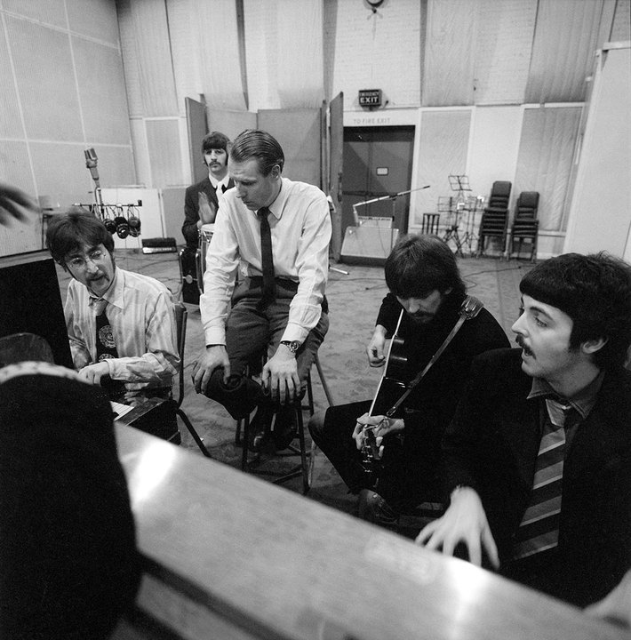 20161031_183334_12501320161025_163157_349926george-martin-and-the-beatles.jpg.1280x720_q85