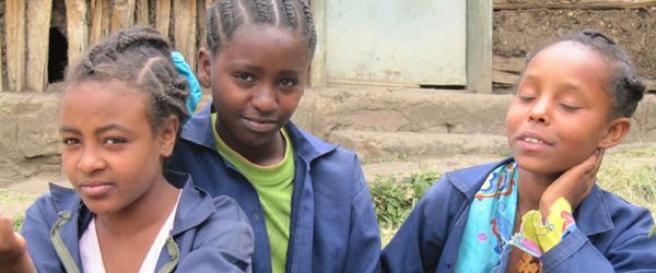 """L'Ong Cifa per i diritti dei minori in Etiopia. """"Tutte a scuola"""" un progetto per bambine e giovani donne."""
