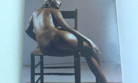 """""""Vedo nudo"""" al vernissage della Coen. Collettiva dedicata alla scultura per la nuova galleria d'arte."""