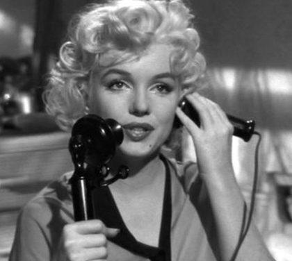 Se telefonando io potessi . . . risparmiare. Consigli da Federalberghi.