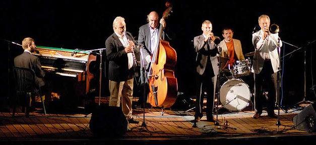 Sotto le note del Jazz ad Avigliana il Due Laghi Jazz Festival fa ballare la notte.