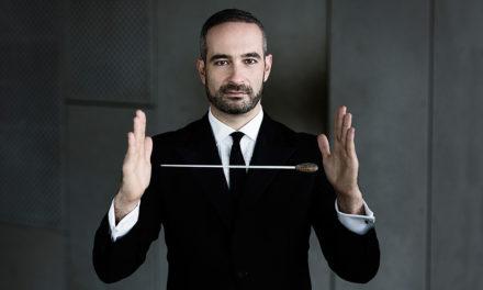 """Un torinese a dirigere coro e orchestra del Regio per la """"Creazione"""" di Joseph Haydn."""