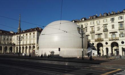 """Quel """"bubbone"""" in piazza Vittorio ai torinesi proprio non piace! ecco la risposta del comune di Torino"""
