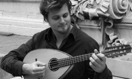 Dedicato al pizzicato e al mandolino il concerto dell'Oft con Vincent Beer-Demander.