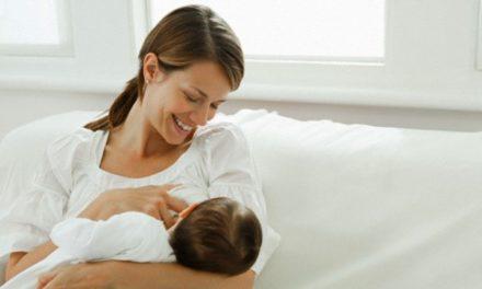 Nei nidi d'infanzia di Torino le mamme dei piccoli iscritti possono allattarli personalmente
