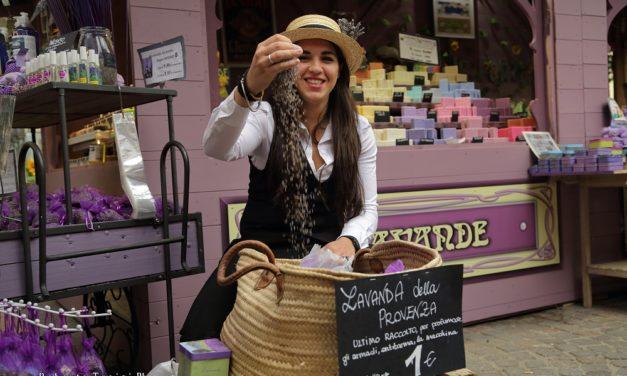 "Torino Incontra Parigi. Prosegue il mercatino ""Belle Epoque"""