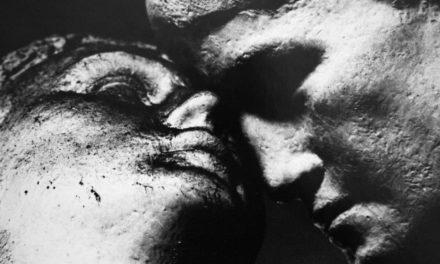 """Un """"Deposito di figure"""" quello esposto alla galleria Weber. Il fascino chiaro/scuro di Ascolini."""