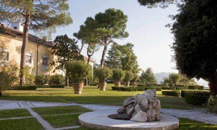 I giardini di Pietro Porcinai nelle foto esposte dalla Fondazione Cosso al Castello di Miradolo.