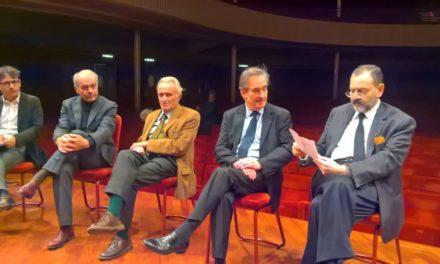 Giornalisti sul palco: conduce James Conlon. Nuovo Direttore dell'Orchestra Sinfonica Nazionale della Rai