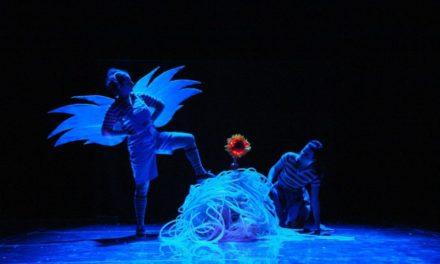 Un Giardino di Plastica fiorisce sul palco della Casa del Teatro Ragazzi e Giovani.