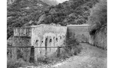 L'avventurosa storia del Forte di Bard fatta di roccia, architettura, rigore, natura e adesso immagini.