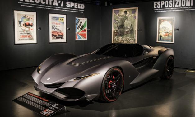 """Eleganza, velocità, grafica e design nei manifesti di """"Auto che passione""""."""