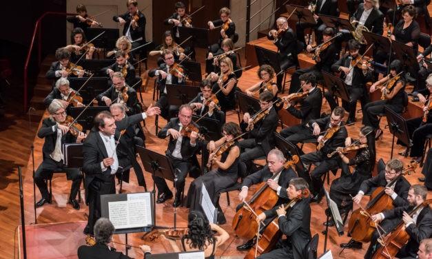 Su Rai 5 l'Orchestra della Rai diretta da Daniele Gatti.