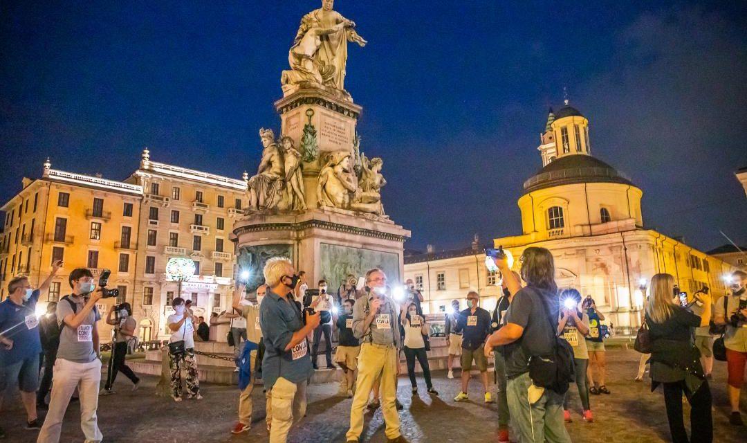 Da dove arrivano le fotografie? Un flashmob in venti città per il diritto d'autore.