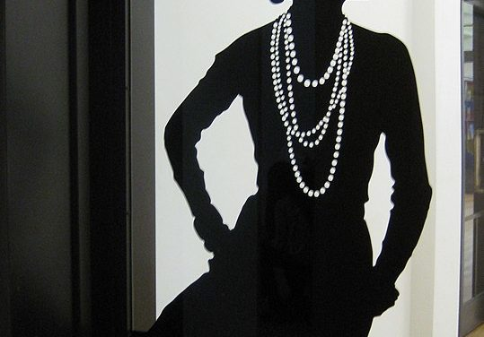 Mademoiselle Gabrielle Bonheur. Per il mondo: Coco Chanel.